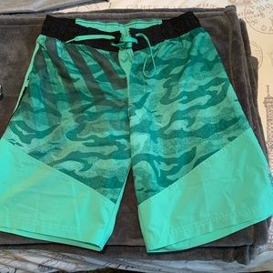 Reebok Crossfit Men's Green Shorts - Medium